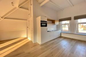 For rent: Apartment Voorstraat, Dordrecht - 1