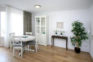 Bekijk appartement te huur in Den Haag Gevers Deynootplein, € 1250, 60m2 - 387488. Geïnteresseerd? Bekijk dan deze appartement en laat een bericht achter!