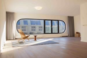 Bekijk appartement te huur in Amsterdam Sarphatistraat, € 2250, 95m2 - 339625. Geïnteresseerd? Bekijk dan deze appartement en laat een bericht achter!