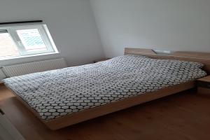 Bekijk appartement te huur in Rotterdam Zuidhoek, € 650, 115m2 - 381332. Geïnteresseerd? Bekijk dan deze appartement en laat een bericht achter!