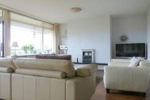 Bekijk appartement te huur in Eindhoven Veldmaarschalk Montgomerylaan, € 1250, 110m2 - 381915. Geïnteresseerd? Bekijk dan deze appartement en laat een bericht achter!