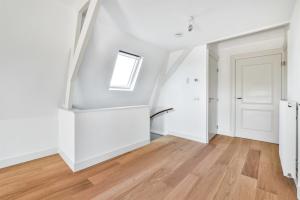 Bekijk appartement te huur in Amsterdam Plantage Kerklaan, € 1650, 62m2 - 395295. Geïnteresseerd? Bekijk dan deze appartement en laat een bericht achter!
