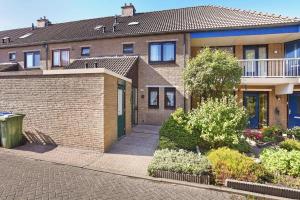 Bekijk woning te huur in Hoogvliet Rotterdam Janswaal, € 900, 101m2 - 382731. Geïnteresseerd? Bekijk dan deze woning en laat een bericht achter!