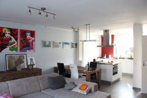 Bekijk woning te huur in Enschede Springendalhoek, € 795, 110m2 - 341088. Geïnteresseerd? Bekijk dan deze woning en laat een bericht achter!