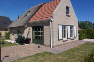 View house for rent in Tzummarum Bargereed, € 950, 75m2 - 367722. Interested? check out this house and leave a message!