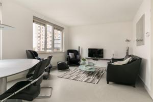 Bekijk appartement te huur in Barendrecht Avenue Carre, € 1300, 75m2 - 396923. Geïnteresseerd? Bekijk dan deze appartement en laat een bericht achter!