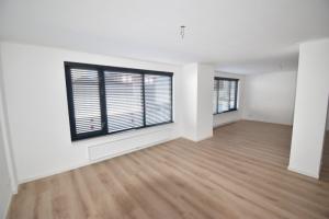 Bekijk appartement te huur in Honselersdijk Veilingweg, € 1500, 200m2 - 392740. Geïnteresseerd? Bekijk dan deze appartement en laat een bericht achter!