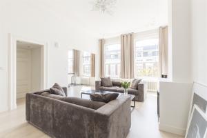 Bekijk appartement te huur in Den Haag Laan Copes van Cattenburch, € 2250, 120m2 - 395240. Geïnteresseerd? Bekijk dan deze appartement en laat een bericht achter!
