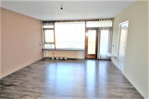 Bekijk appartement te huur in Delft Roland Holstlaan, € 995, 80m2 - 387446. Geïnteresseerd? Bekijk dan deze appartement en laat een bericht achter!