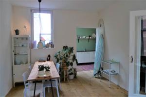 Bekijk appartement te huur in Den Haag Maaswijkstraat, € 1400, 77m2 - 371061. Geïnteresseerd? Bekijk dan deze appartement en laat een bericht achter!