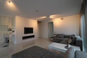 Bekijk appartement te huur in Rotterdam Wijnbrugstraat, € 2250, 140m2 - 383527. Geïnteresseerd? Bekijk dan deze appartement en laat een bericht achter!