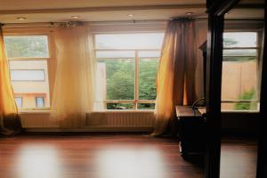 Bekijk appartement te huur in Amsterdam Saxenburgerdwarsstraat, € 1200, 48m2 - 385650. Geïnteresseerd? Bekijk dan deze appartement en laat een bericht achter!