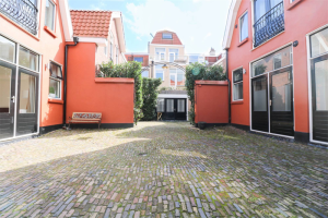 View studio for rent in Den Haag Kepplerstraat, € 950, 48m2 - 392666. Interested? check out this studio and leave a message!