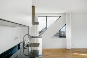 Bekijk appartement te huur in Den Haag Anna van Buerenplein, € 2995, 120m2 - 393826. Geïnteresseerd? Bekijk dan deze appartement en laat een bericht achter!