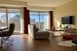Bekijk appartement te huur in Den Haag Cees Laseurlaan, € 1250, 76m2 - 359990. Geïnteresseerd? Bekijk dan deze appartement en laat een bericht achter!