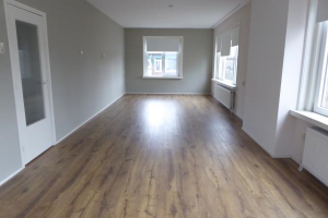 View house for rent in Rotterdam Sonoystraat, € 1250, 150m2 - 382098. Interested? check out this house and leave a message!