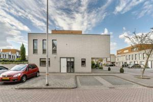 Bekijk woning te huur in Nieuwerkerk Ad Ijssel Burg Van Heugtenlaan, € 2150, 125m2 - 371895. Geïnteresseerd? Bekijk dan deze woning en laat een bericht achter!