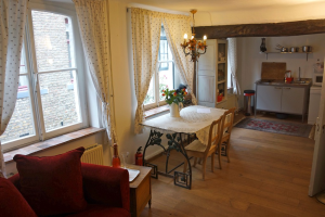Bekijk studio te huur in Maastricht Kattenstraat, € 750, 80m2 - 339168. Geïnteresseerd? Bekijk dan deze studio en laat een bericht achter!