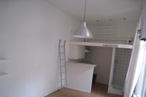 Bekijk studio te huur in Nijmegen Burghardt van den Berghstraat, € 505, 18m2 - 265127. Geïnteresseerd? Bekijk dan deze studio en laat een bericht achter!