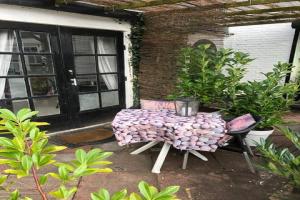 Bekijk appartement te huur in Warmond Julianastraat, € 900, 16m2 - 390304. Geïnteresseerd? Bekijk dan deze appartement en laat een bericht achter!