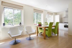 Bekijk appartement te huur in Amsterdam Hoofdweg, € 1800, 65m2 - 361007. Geïnteresseerd? Bekijk dan deze appartement en laat een bericht achter!