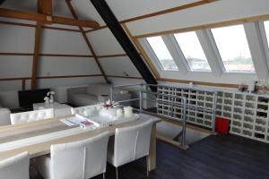 Bekijk appartement te huur in Dalfsen Kerkplein, € 775, 75m2 - 376739. Geïnteresseerd? Bekijk dan deze appartement en laat een bericht achter!