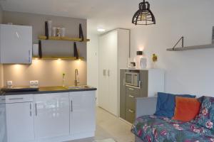 Bekijk appartement te huur in Leiden Oxfordlaan, € 790, 19m2 - 380102. Geïnteresseerd? Bekijk dan deze appartement en laat een bericht achter!