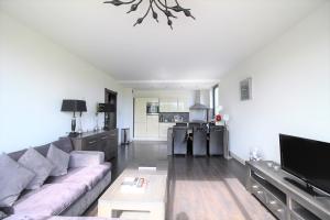 Bekijk appartement te huur in Duivendrecht Parnassiaveld, € 1650, 80m2 - 368867. Geïnteresseerd? Bekijk dan deze appartement en laat een bericht achter!