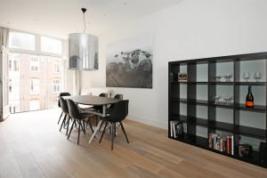 Bekijk appartement te huur in Amsterdam Pieter Cornelisz. Hooftstraat, € 2750, 104m2 - 393998. Geïnteresseerd? Bekijk dan deze appartement en laat een bericht achter!