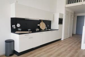 Te huur: Appartement Heiman Dullaertplein, Rotterdam - 1