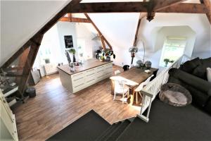 Bekijk appartement te huur in Delfgauw Zuideindseweg, € 1495, 160m2 - 383933. Geïnteresseerd? Bekijk dan deze appartement en laat een bericht achter!