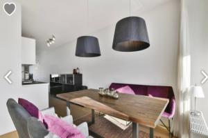 Bekijk appartement te huur in Amsterdam Maassluisstraat, € 1750, 105m2 - 390146. Geïnteresseerd? Bekijk dan deze appartement en laat een bericht achter!