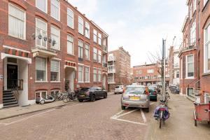 Bekijk appartement te huur in Den Haag Van Tuyllstraat, € 1110, 70m2 - 361191. Geïnteresseerd? Bekijk dan deze appartement en laat een bericht achter!