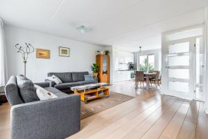Bekijk woning te huur in Eindhoven Christina Bakker-van Bossestraat, € 1400, 161m2 - 340894. Geïnteresseerd? Bekijk dan deze woning en laat een bericht achter!