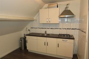 Bekijk studio te huur in Rotterdam Van Weelstraat: Studio appartement - € 510, 26m2 - 324164
