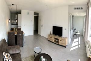 Bekijk appartement te huur in Rotterdam Karel Doormanstraat, € 1595, 74m2 - 370735. Geïnteresseerd? Bekijk dan deze appartement en laat een bericht achter!