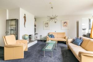 Bekijk appartement te huur in Rotterdam Churchillplein, € 1425, 80m2 - 359383. Geïnteresseerd? Bekijk dan deze appartement en laat een bericht achter!