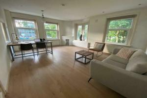 Bekijk appartement te huur in Amsterdam Erasmusgracht, € 1650, 60m2 - 395448. Geïnteresseerd? Bekijk dan deze appartement en laat een bericht achter!