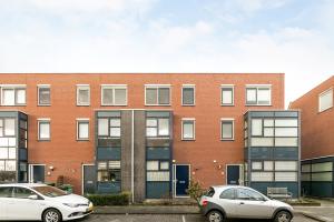 Bekijk woning te huur in Rotterdam Spankerstraat, € 995, 100m2 - 344126. Geïnteresseerd? Bekijk dan deze woning en laat een bericht achter!