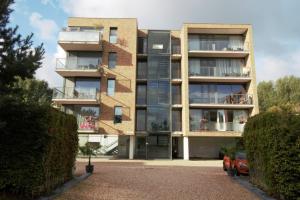 Bekijk appartement te huur in Almere Olivier B. Bommelhof: Zeer ruim en mooi gelegen appartement met 2 slaapkamers  - € 1395, 80m2 - 321577