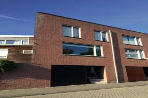 View house for rent in Zaandam Badhuisweg, € 2040, 150m2 - 371929. Interested? check out this house and leave a message!