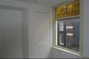 Bekijk studio te huur in Amsterdam Kolksteeg, € 1000, 21m2 - 292869. Geïnteresseerd? Bekijk dan deze studio en laat een bericht achter!