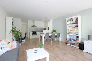 Bekijk appartement te huur in Deventer Geert Grootestraat, € 895, 60m2 - 373288. Geïnteresseerd? Bekijk dan deze appartement en laat een bericht achter!