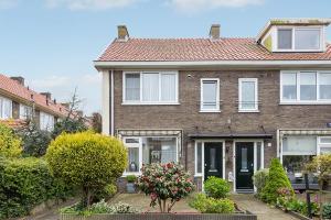 Bekijk woning te huur in Amsterdam Plejadenweg, € 1650, 100m2 - 326802. Geïnteresseerd? Bekijk dan deze woning en laat een bericht achter!