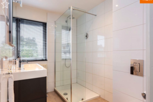 View house for rent in Baarn Prof. Buyslaan, € 1550, 95m2 - 388063. Interested? check out this house and leave a message!