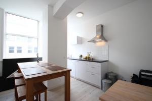 Bekijk appartement te huur in Rotterdam Grotekerkplein, € 1425, 45m2 - 364875. Geïnteresseerd? Bekijk dan deze appartement en laat een bericht achter!