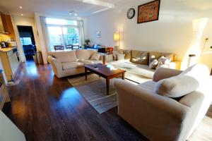 Te huur: Appartement Hoge Rijndijk, Zoeterwoude - 1