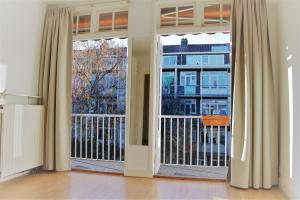 Bekijk appartement te huur in Amsterdam Leiduinstraat, € 1550, 60m2 - 380161. Geïnteresseerd? Bekijk dan deze appartement en laat een bericht achter!
