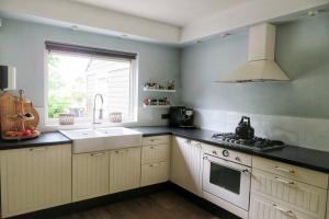 For rent: House Willem-Alexanderplaats, Hellevoetsluis - 1
