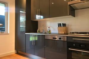 Bekijk appartement te huur in Den Haag Van Berwaerdeweg, € 1550, 80m2 - 393906. Geïnteresseerd? Bekijk dan deze appartement en laat een bericht achter!